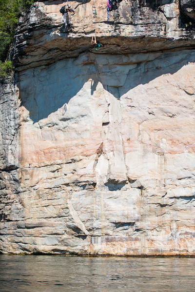 Deep-Water-Soloing-PSICOBLOC-2016-Summersville-Lake-West-Virginia-Photo-by-Gabe-DeWitt-514