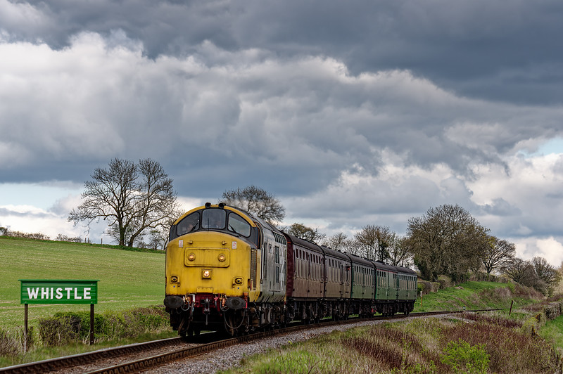 37901 on Wanders Curve, with the 13:40 Alton - Alresford, on 23rd April 2016.