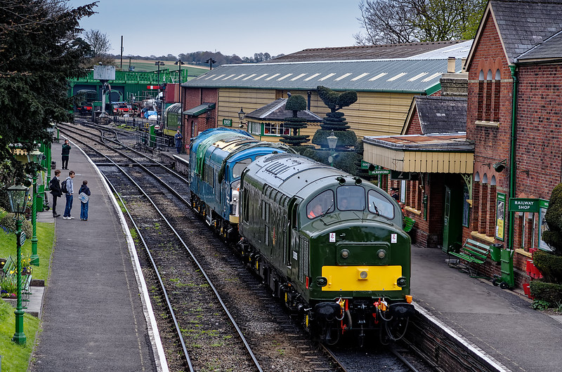 37905 taking 45132 back to Alresford, on 28th April 2013. The Peak had been on display at Ropley during the Gala.