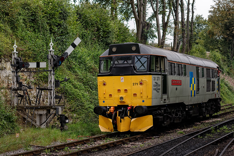 31271 running round at Ropley,  on 7th September 2014.