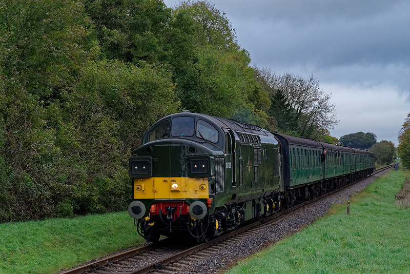 37350 at Stable Lane with the 10:10 Alton - Alresford, on 20th October 2017.