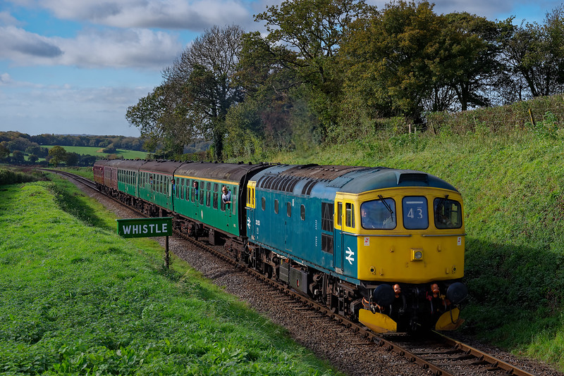 33053 approaching Bluebell Crossing, with the 11:45 Alresford - Alton, on 20th October 2017,