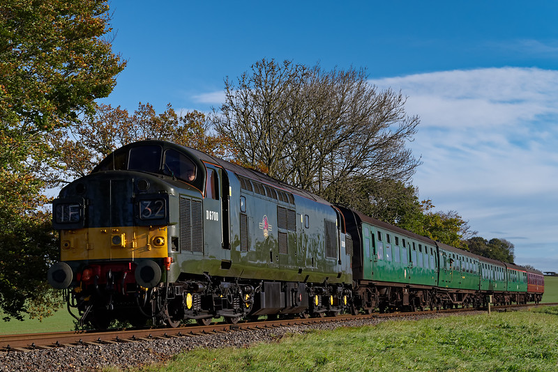 37350 coming off Wanders Curve, with the 09:30 Alton - Alresford, on 22nd October 2017.