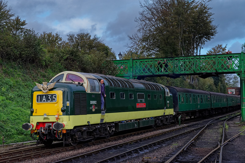 55002 arriving at Ropley with the 14:10 Alton - Alresford, on 21st October 2017.