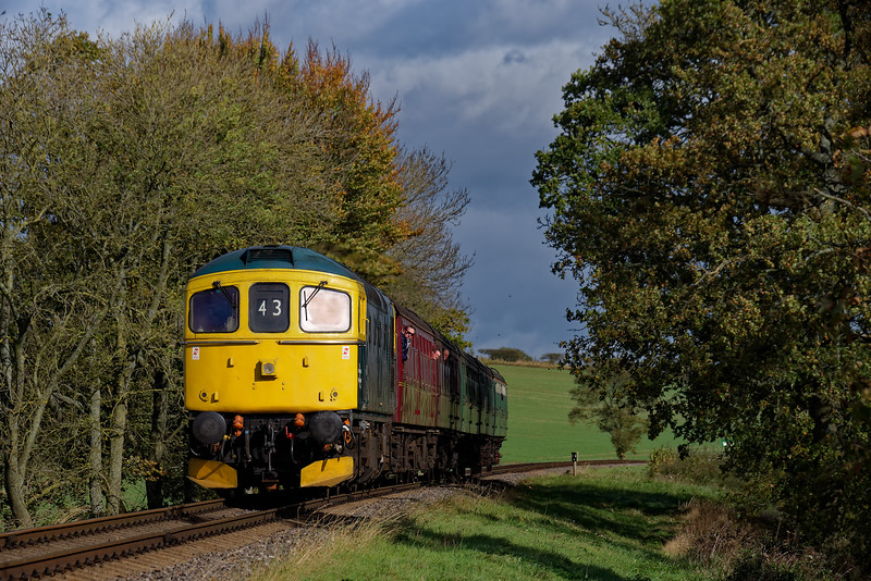 33053 at Rookwood Lane, with the 12:50 Alton - Alresford, on 22nd October 2017.