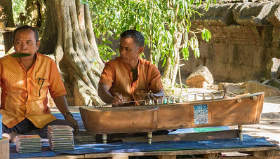 Traditional music at Banteay Srei