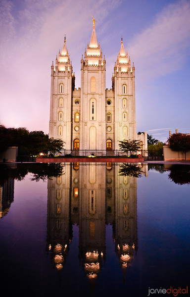 Salt Lake LDS Temple - Early morning twilight