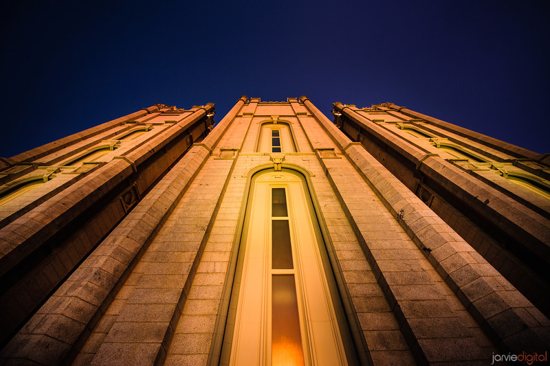 Salt Lake LDS Temple - Evening twilight