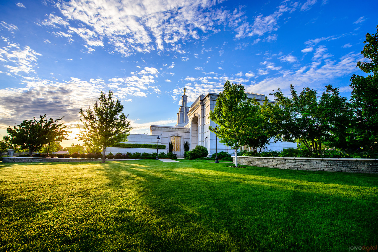 Columbia River Temple Sunrise (Back)