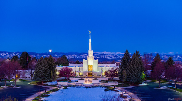 Denver LDS Temple - Moonset