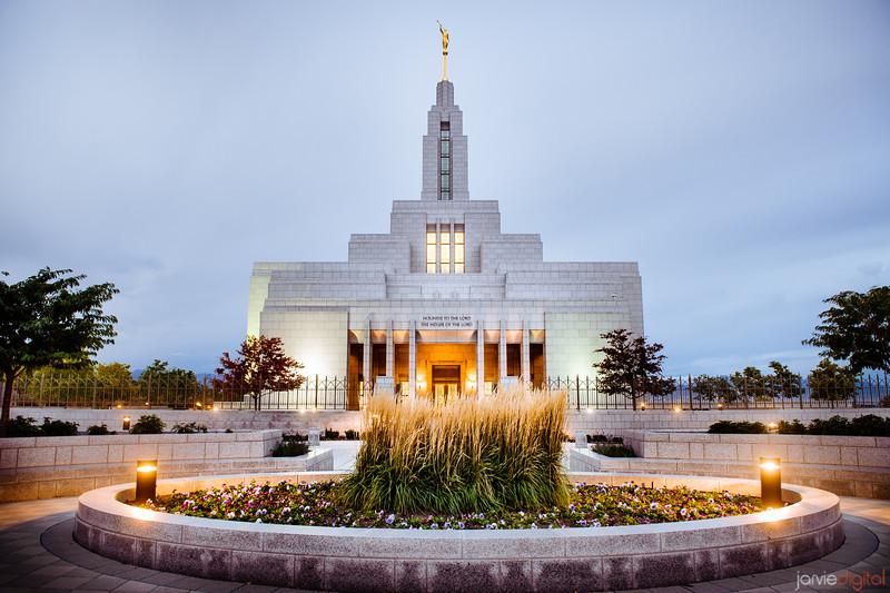 Draper Temple Lights On