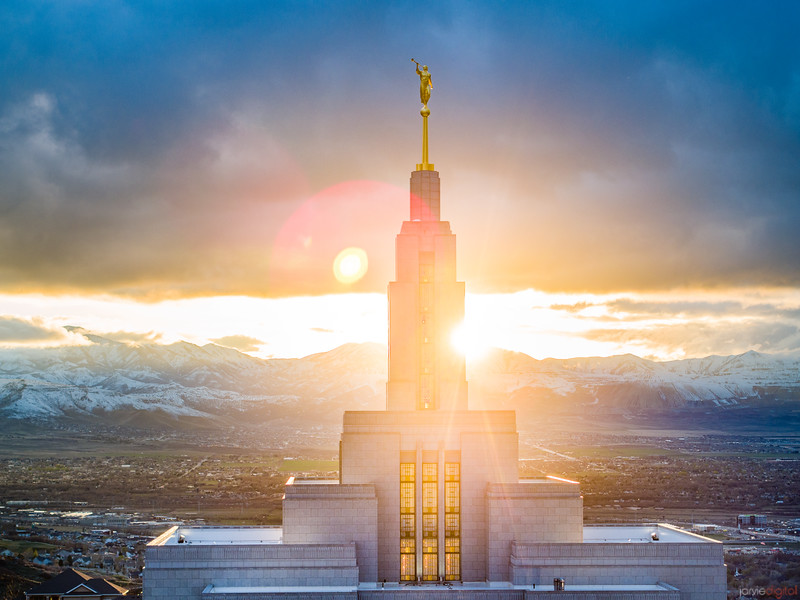 Draper Temple - Inspired light