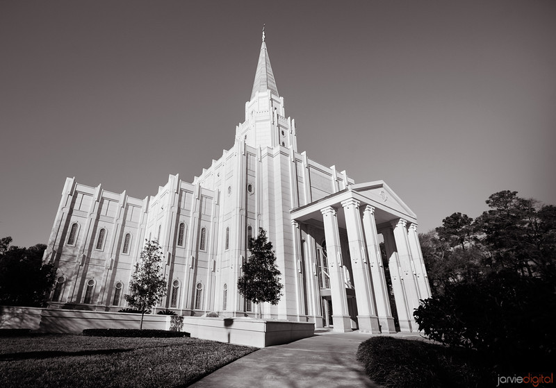 Houston LDS Temple in BW