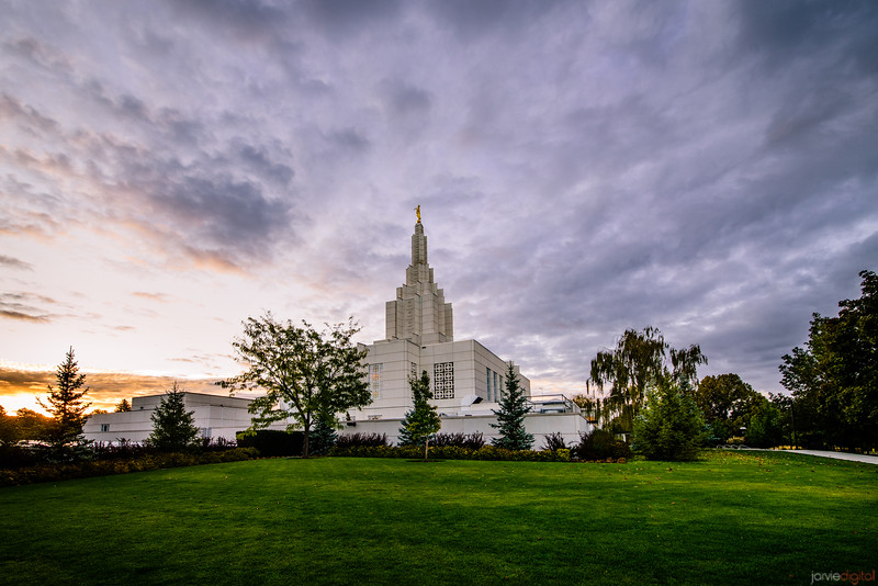 Idaho Falls Temple - Grass