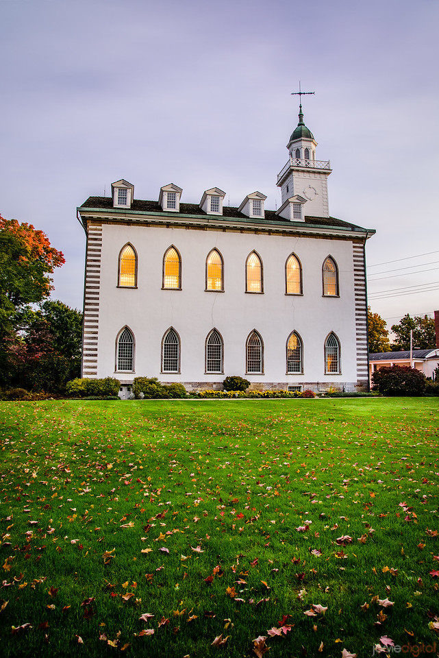 Kirtland Temple - Lights on