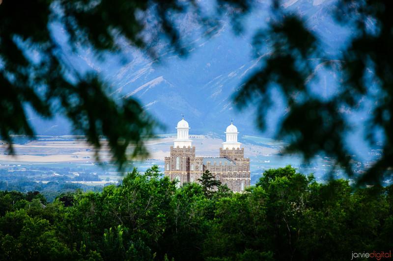 Logan Temple overlook Horizontal
