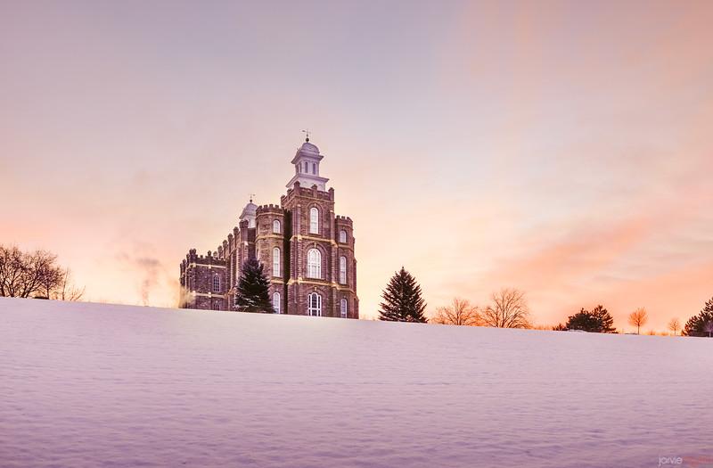 Logan Temple - Sunrise in the Snow