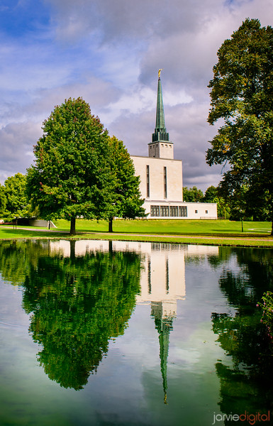 London Temple - Reflection