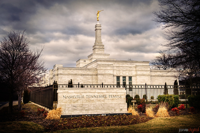 Nashville Temple with Sign