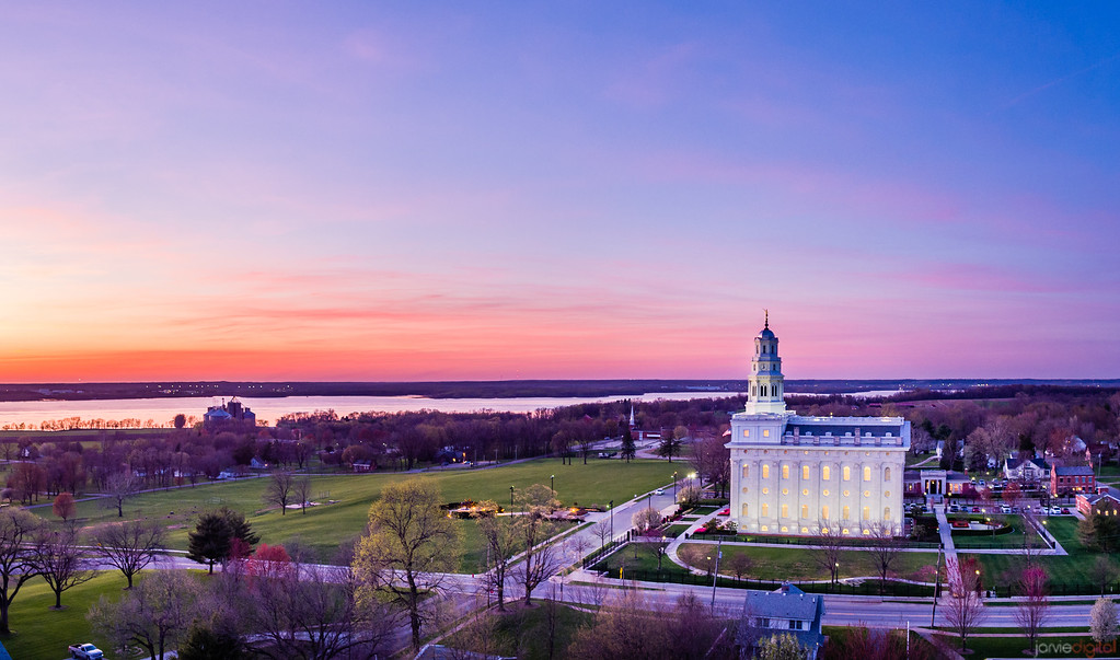 Nauvoo Temple - A colorful evening