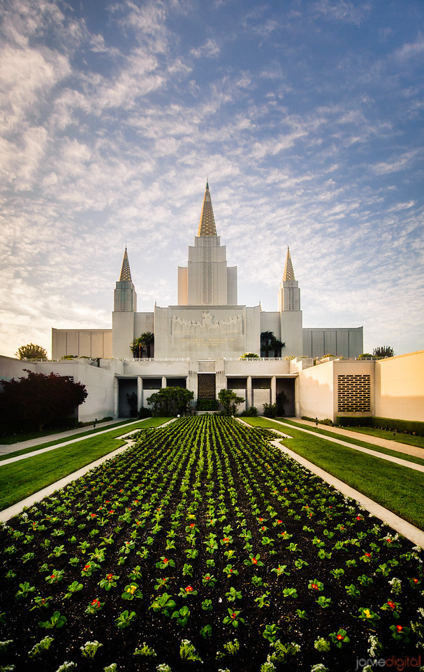 Oakland Temple Courtyard