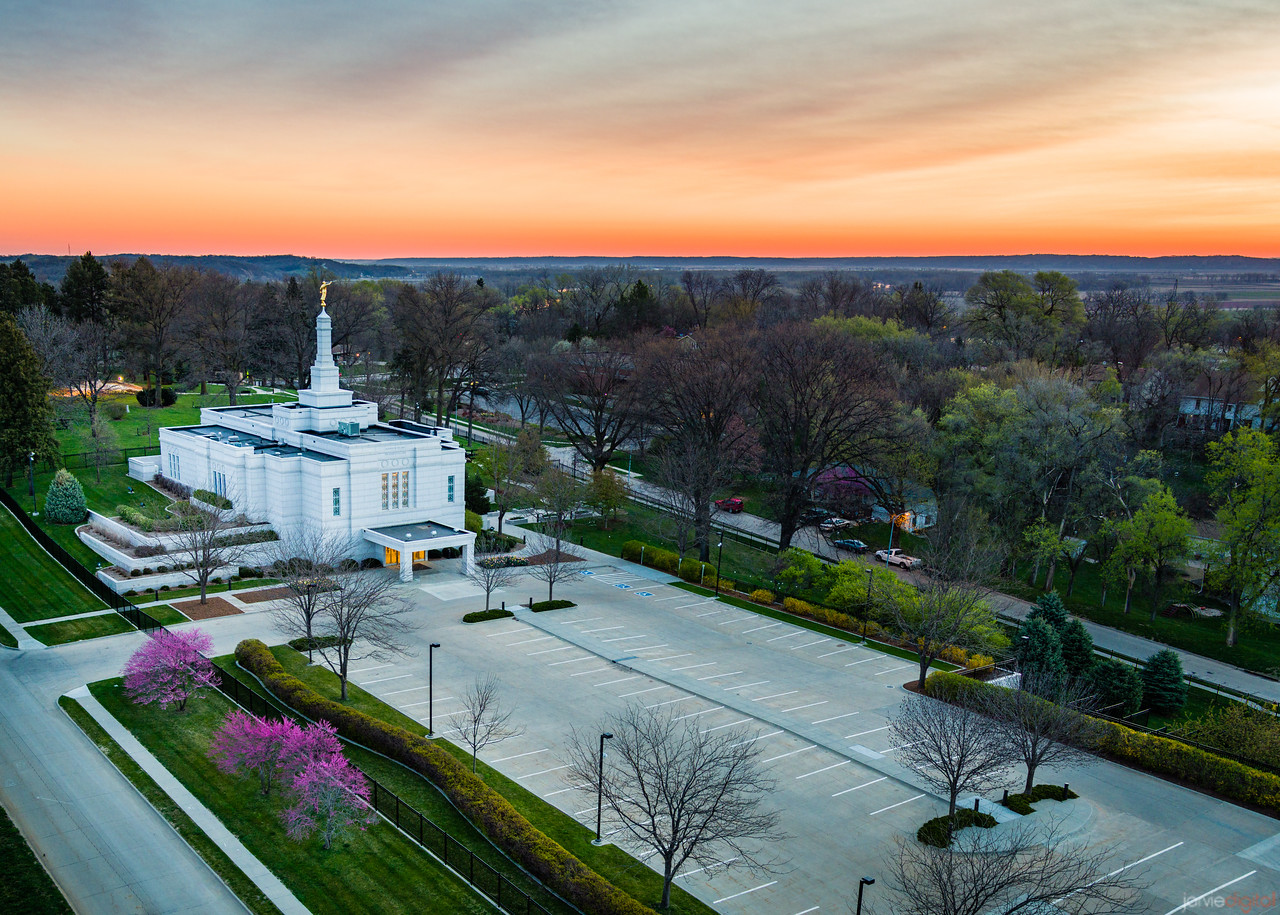 Winter Quarters Temple - Quite sunrise
