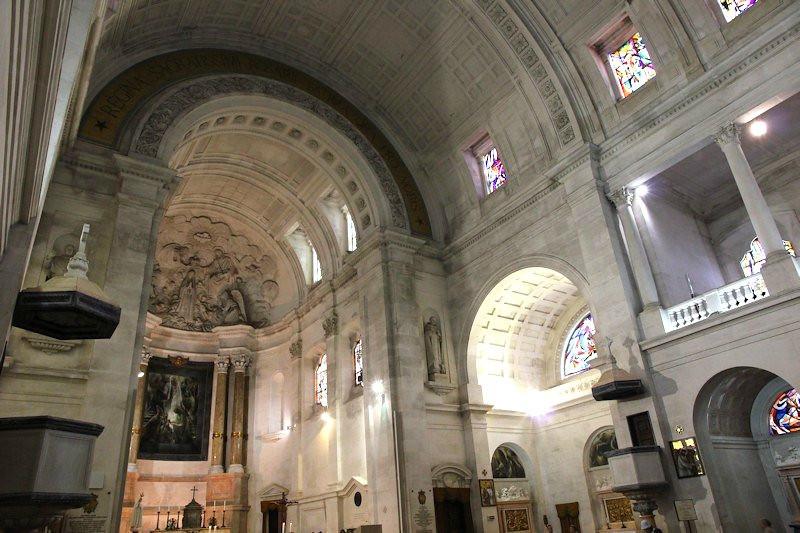 Interior do Santuário de Nossa Senhora de Fátima