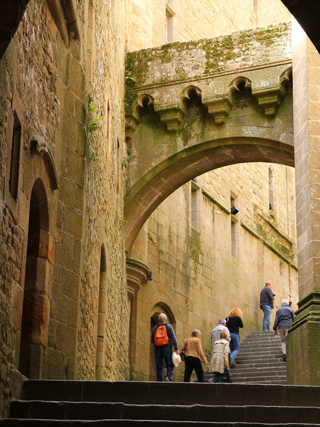 Interior da Abadia do Monte St. Michel