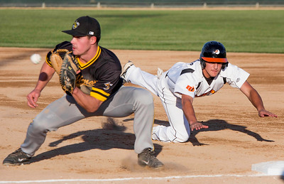 Mankato Moondogs v Wilmar Stingers