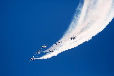 6 Screaming Thunderbirds