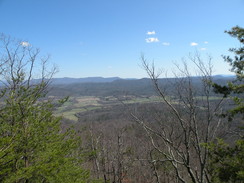 View from the overlooks at what I *thought* was White Cliffs, but according to Joyce Gaston Reece this is not it. I will just say its the site of the old White Cliffs Hotel and it looks down toward Rural Vale off Starr Mtn.
