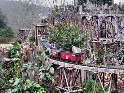 Cheekwood Mansion in Nashville featuring the outdoor model train exhibit