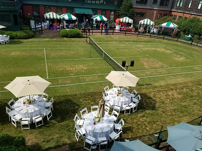 horseshoe grass court