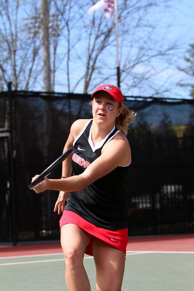 Ellen Perez - UGA women' s tennis team (Photo by Emily Selby / Georgia Sports Communication)