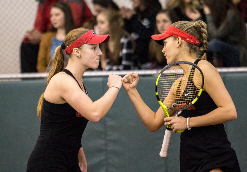 Kennedy Shaffer and Caroline Brinson UGA women's tennis team (Photo by John Paul Van Wert / Georgia Sports Communication)
