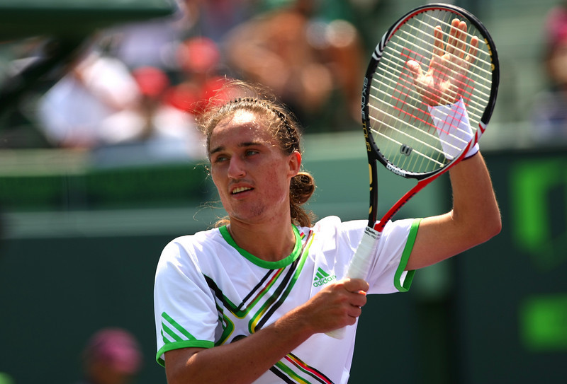 Alexandr Dolgopolov of Ukraine thanks the crowd in Miami