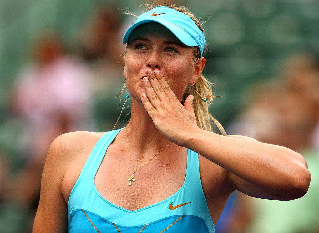 Maria Sharapova of Russia thanks the crowd in Miami