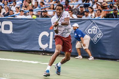 Monfils on the ball