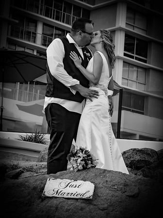 Black and White wedding photo lovely!