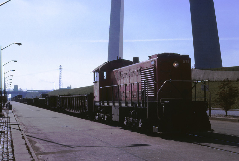 TRRA 86 - Nov 20 1968 - Alco Switcher on St Louis Riverfront