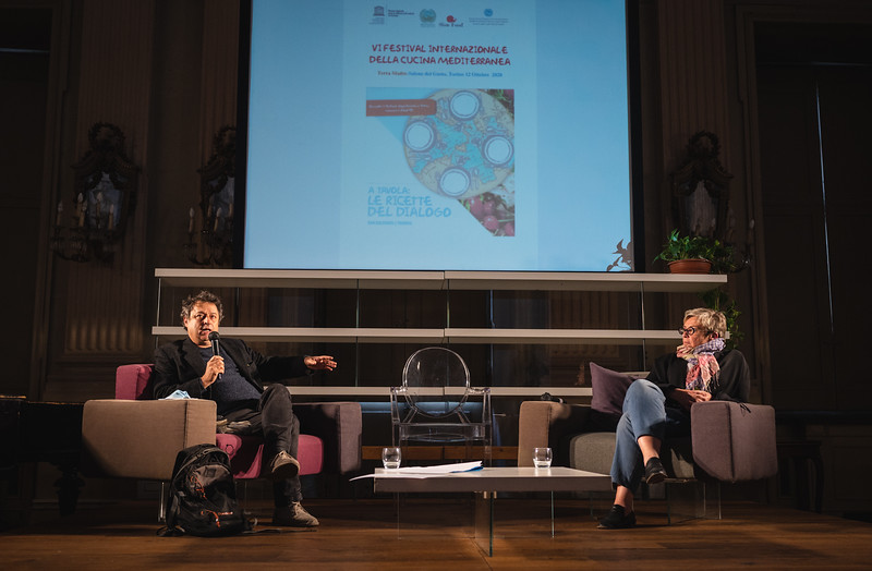 Conferenza e spettacolo / Festival della cucina mediterranea