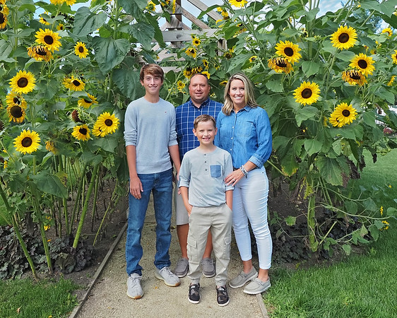 Son Family Sunflowers 8x10
