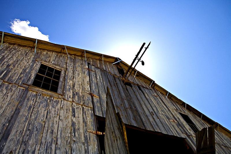 Old Ranch Barn near Lincoln, CA