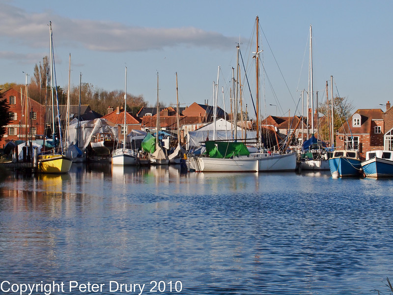 10 Oct 2010 - North anchorage Emsworth. Copyright Peter Drury 2010<br /> E5 + Sigma 50-500, ISO 800, f10, Aperture Priority