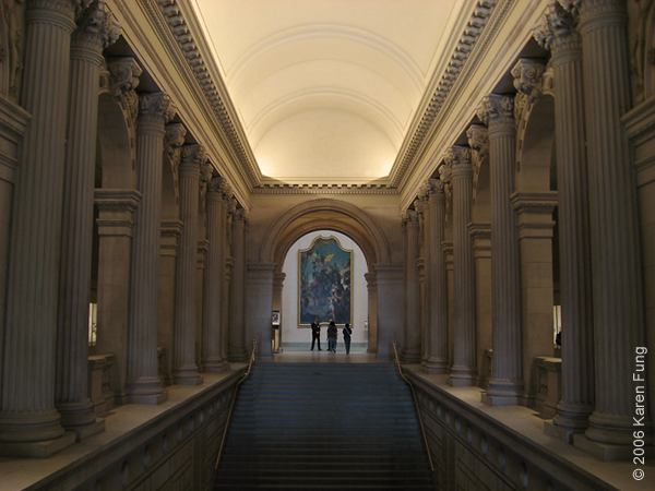 Grand staircase at the Met.  35mm, f/2.8, ISO 100, handheld at 1/6s!!! Gotta love IS :)