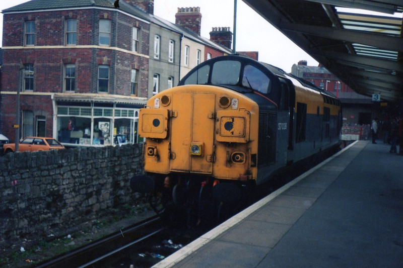 37038 <br /> <br /> sits in platform 3 at Weymouth Town Station awaiting 73109 & TC set 410 before it set off on it's test run down the Quay branch