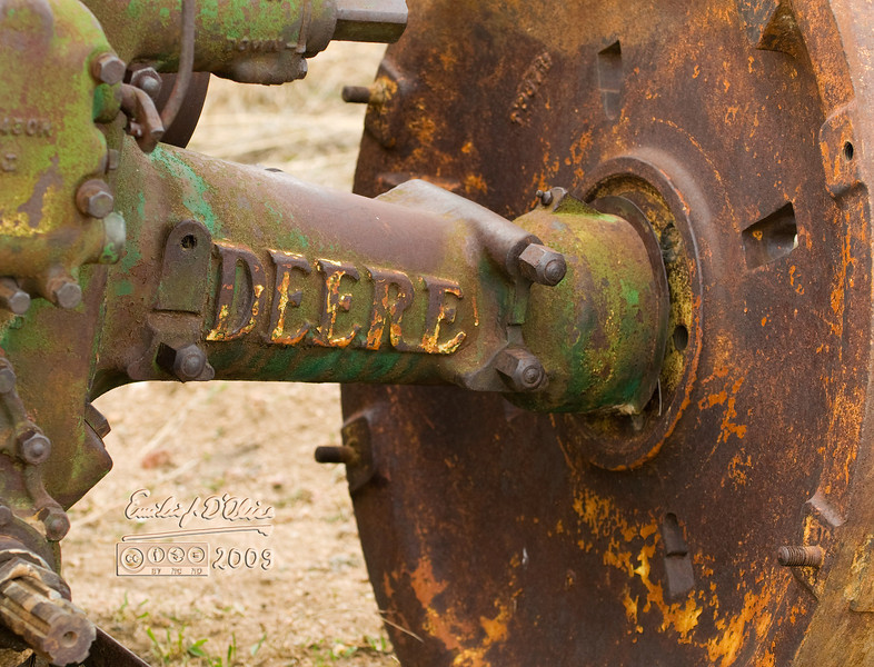 """My favorite subject, the old John Deere . . . it let me get close; I think it's beginning to warm up to me. (double-click on the image above and choose """"o"""" to see original size photograph)."""