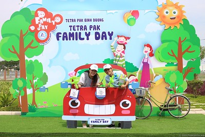 Tetra-Pak-Binh-Duong-Family-Day-instant-print-photobooth-Booth-02-Chup-anh-in-hinh-lay-lien-Ngay-hoi-Gia-dinh-WefieBox-Photobooth-Vietnam-093