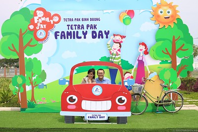 Tetra-Pak-Binh-Duong-Family-Day-instant-print-photobooth-Booth-02-Chup-anh-in-hinh-lay-lien-Ngay-hoi-Gia-dinh-WefieBox-Photobooth-Vietnam-086