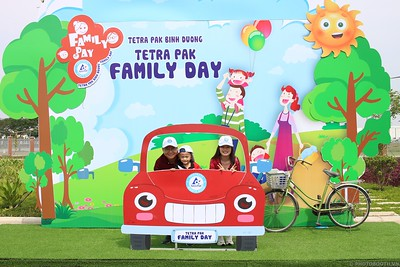 Tetra-Pak-Binh-Duong-Family-Day-instant-print-photobooth-Booth-02-Chup-anh-in-hinh-lay-lien-Ngay-hoi-Gia-dinh-WefieBox-Photobooth-Vietnam-087